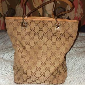 Authentic Vintage Gucci purse 100%